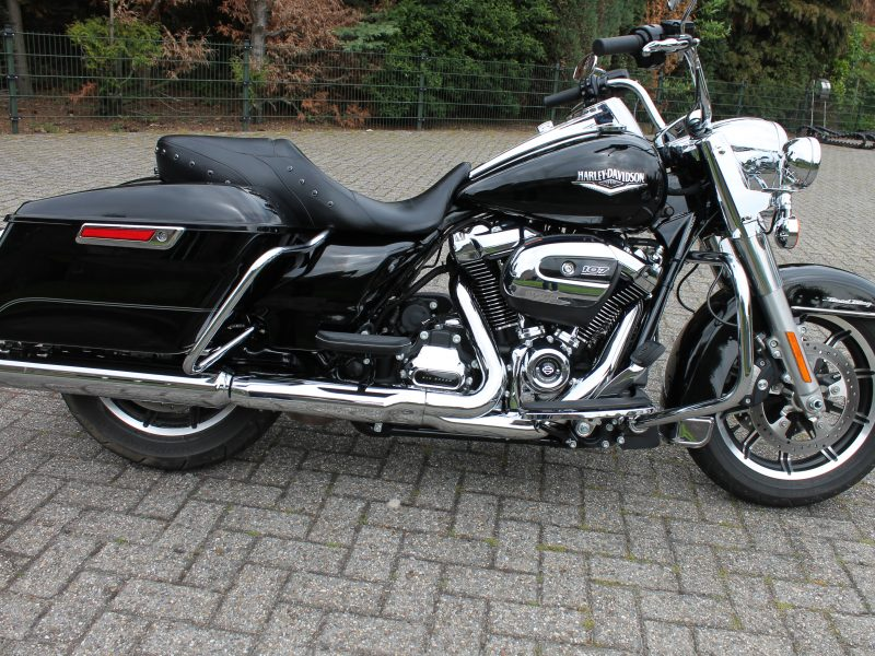 Harley davidson road king milwaukee 8  2017!!